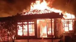 Rumah terbakar di Anjir, Kabupaten Batola. (foto: ist)