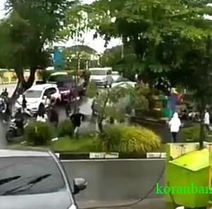 Tawuran Pecah di Banjarmasin, Antar Kelompok Saling Serang dengan Kayu