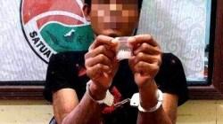 Seorang petani di Gunung Mas ditangkap gara-gara mengedarkan narkoba jenis sabu. (foto: Borneo24/koranbanjar.net)