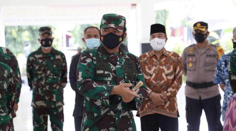 Panglima TNI Pastikan Relawan Tenaga Tracer Akan Gunakan Aplikasi Silacak untuk Permudah Monitoring Penyebaran Covid-19