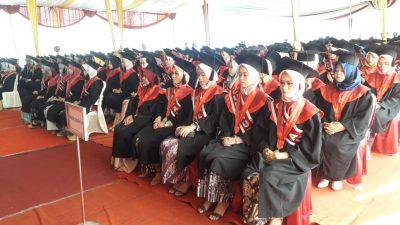 Universitas Peradaban Bumiayu Wisuda 193 Mahasiswa