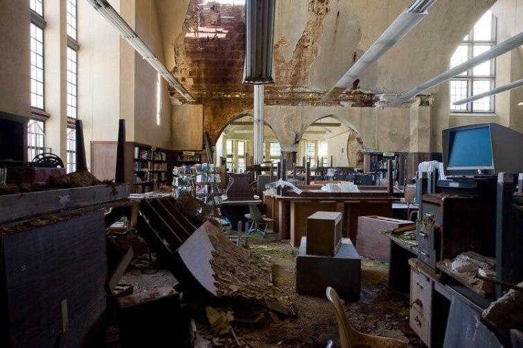 Biblioteca Publica de Detroit Mark Twian Branch 1