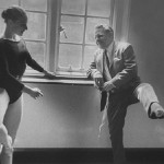 Clase de ballet con Lawrence Durrell y Penélope