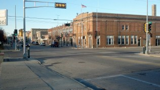 Small town city... well... downtown - Not NEW YORK!