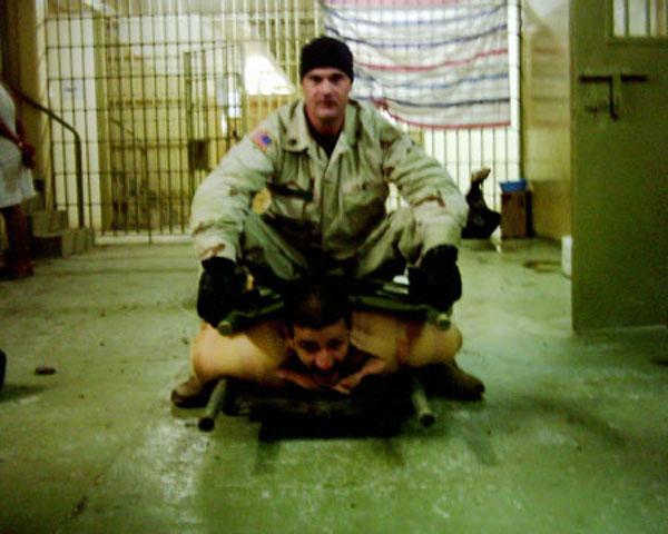 abu-ghraib-torture-04