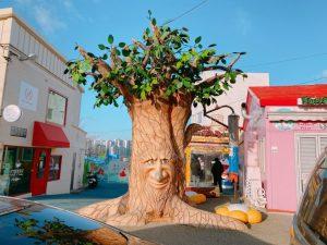 しゃべる木のような・・・