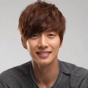 韓国 人気俳優 パク・ヘジン プロフィール 画像付