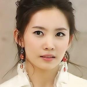 韓国-人気女優-ユン・ジュヒ-プロフィール