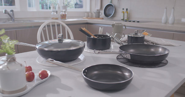 Film-coated Frying Pan