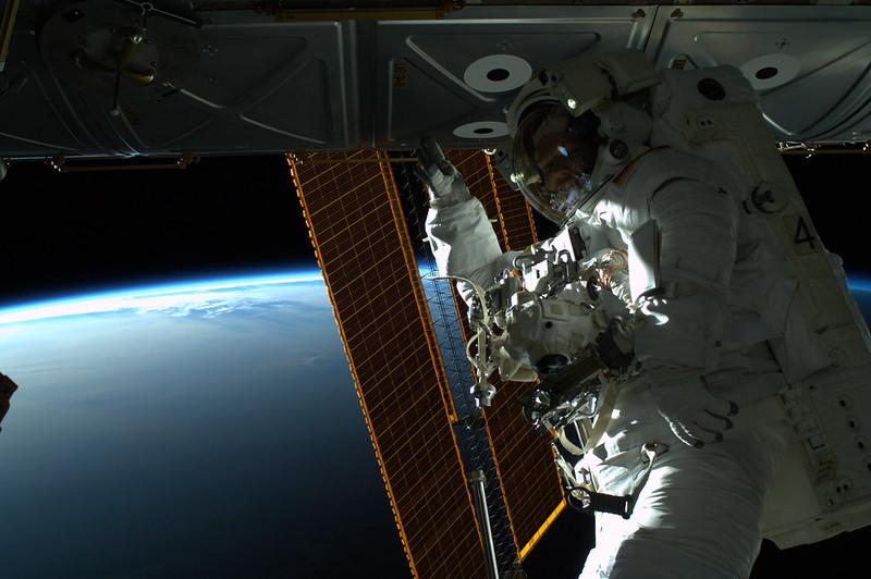 Spacewalk_Gerst