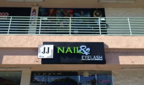 JJ Nail & Eyelash Salon in Koreatown LA