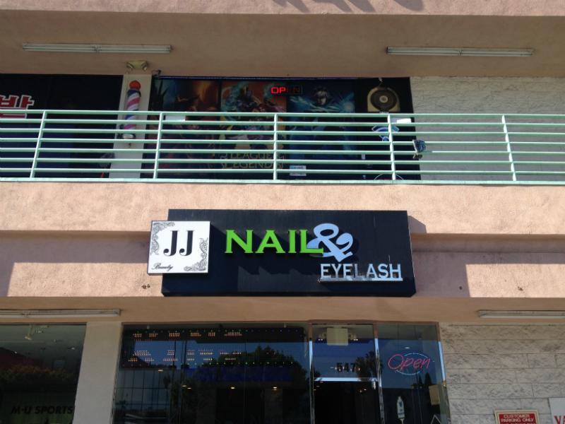 JJ Nail & Eyelash Salon in Koreatown LA
