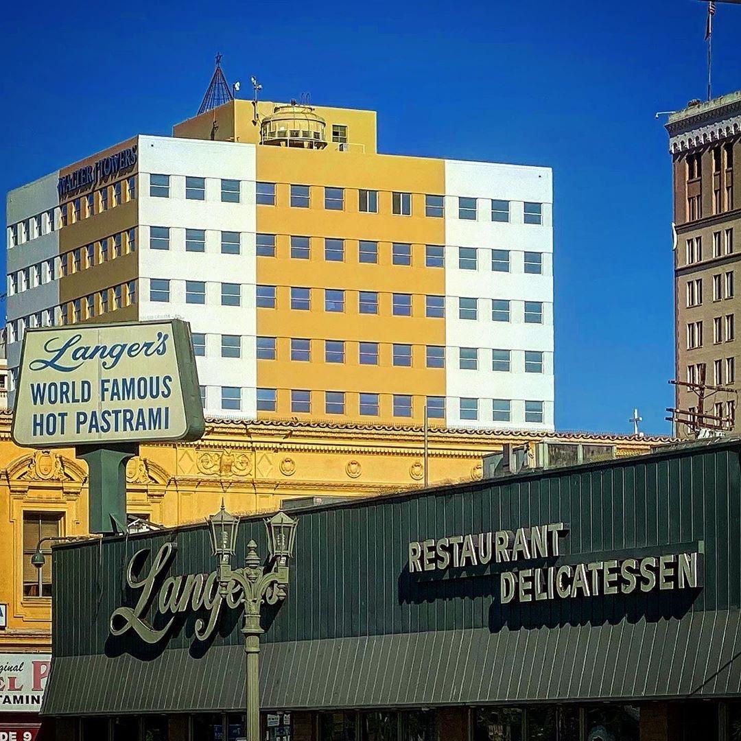 Langer's Deli building in LA