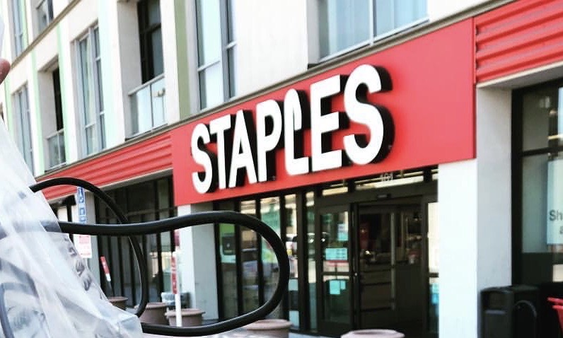 Staples on 6th Street in Los Angeles