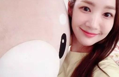 [آراء مستخدمي الانترنت] Park Min Young شاركت سيلكا جميل ل 'miso'.