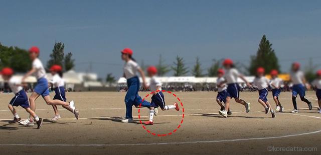 運動会で目立つ靴下や靴の色や子供の目印になるものは?