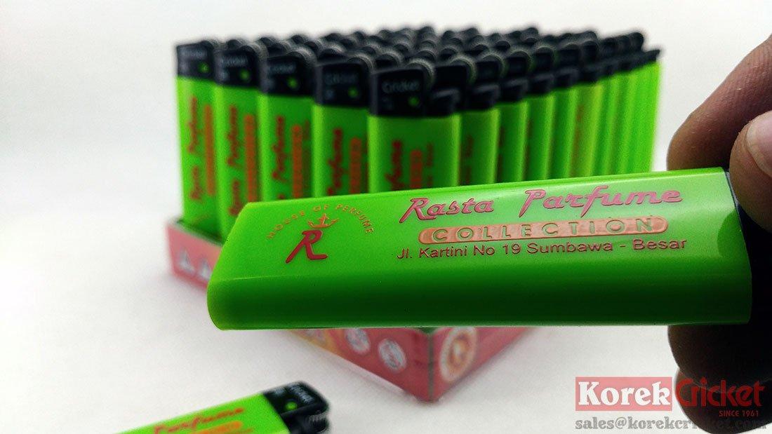 Korek Cricket warna body Hijau Sablon logo Rasta Parfume Pemantik Roda