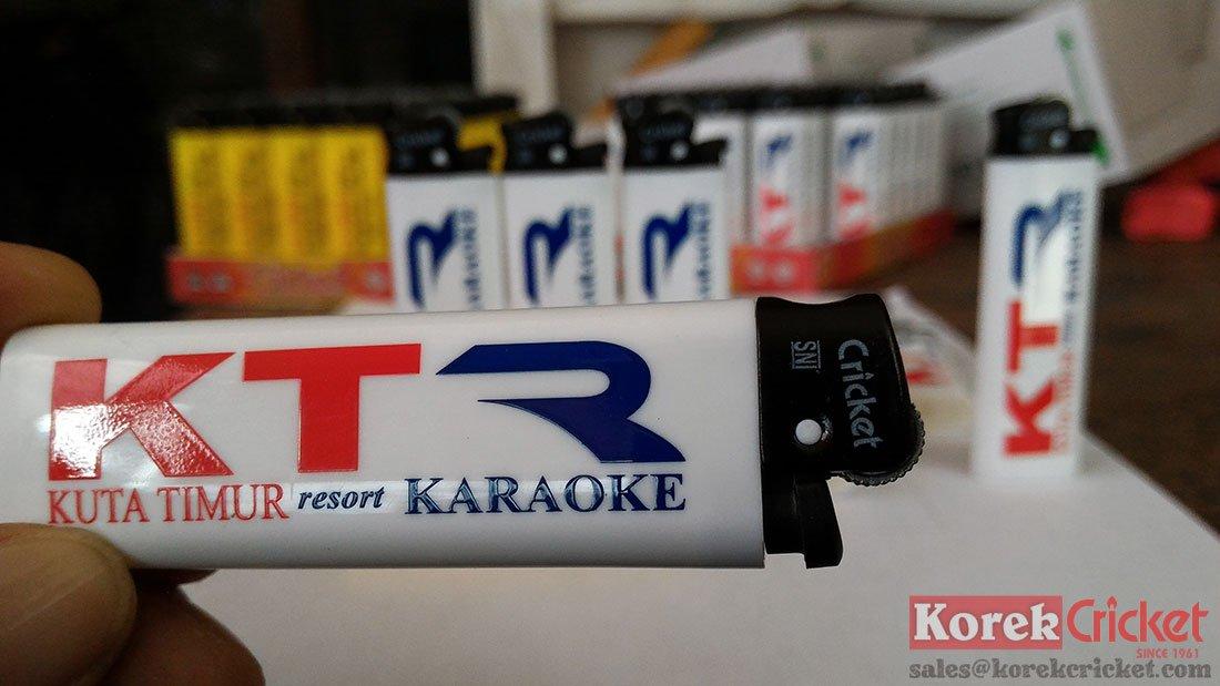 Korek api cricket warna putih sablon logo kuta timur resort karaoke