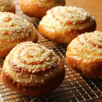 Daring Bakers: Asian Coconut Custard Buns