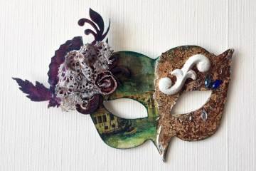 Powertex Venetian mask