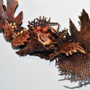 Autumn wreath with Powertex detail of orange textures