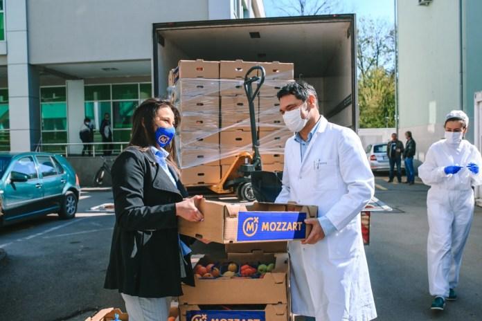 Podrška za naše heroje – Mozzart donirao voće medicinarima u Gradišci