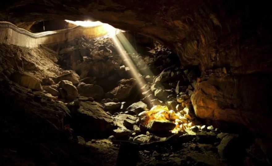 Тысячи искателей, 5 смерти и 10 лет: сокровища Форреста Фенна найдены!