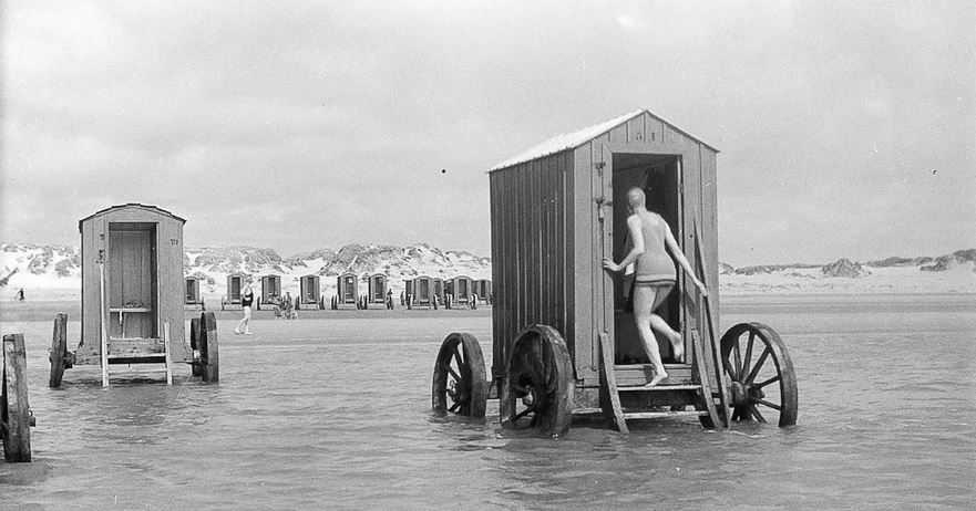 Пляжи прошлого или обычные 'необычности' 18-19 веков.