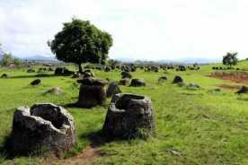 Странная равнина каменных кувшинов Лаоса