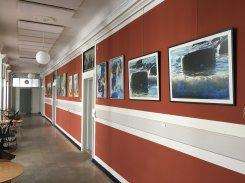 Tak til Kabeldepotets kunsterne for at vi, med den nye udstilling, kan nyde de smukke malerier i Marmorsalen i Korsør Kulturhus