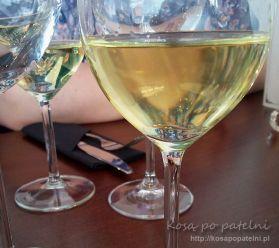 la-papillon-noir_wieczor_wino