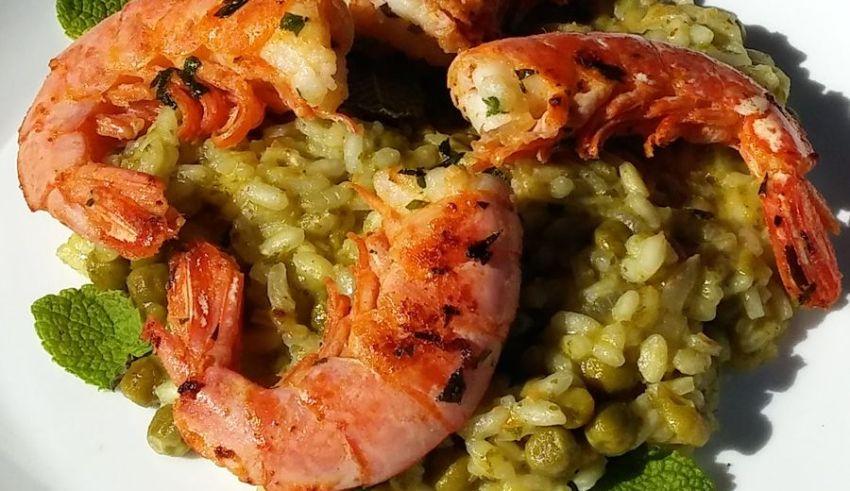 Risotto z krewetkami i zielonym groszkiem