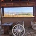 Blick vom Cafe auf Pferdekoppel in Erikas Horsefarm