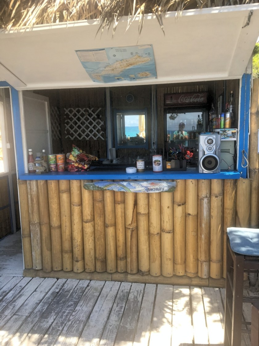 neue beach bar vom dolphin bay