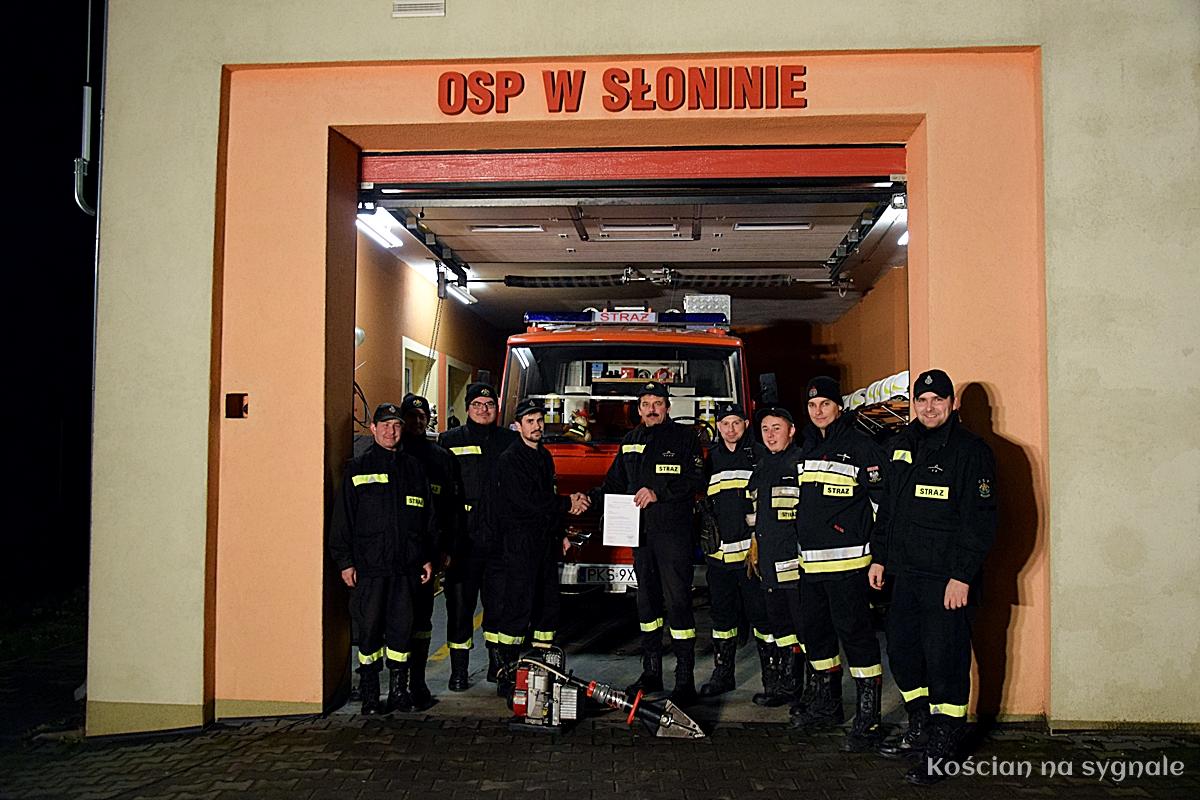 Kościańscy ochotnicy przekazali sprzęt OSP Słonin