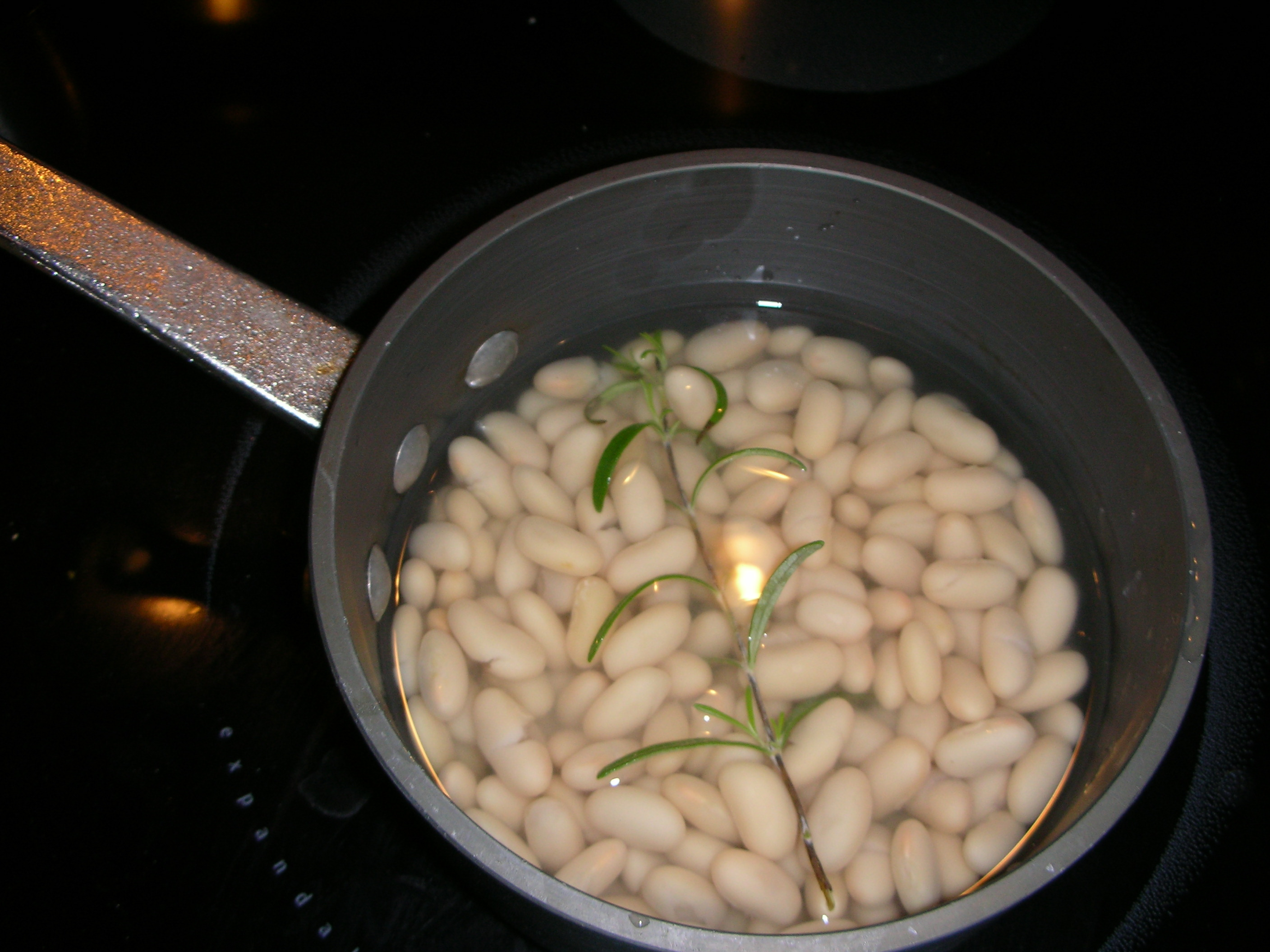 cannelini beans with rosemary
