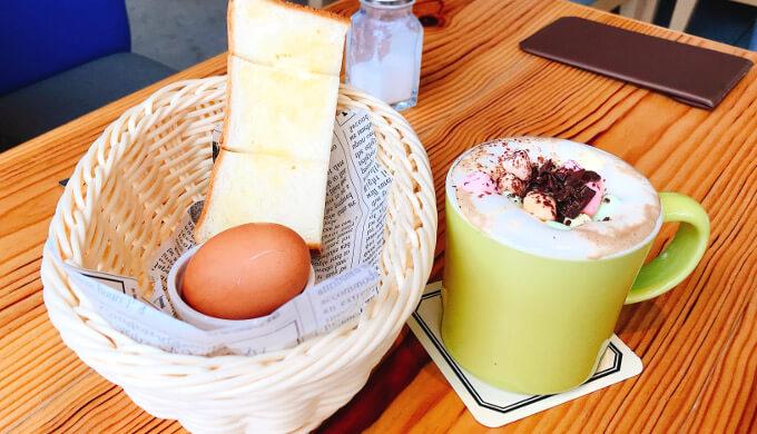 ヒナノ珈琲(カフェモカマシュマロとトーストとゆで卵)