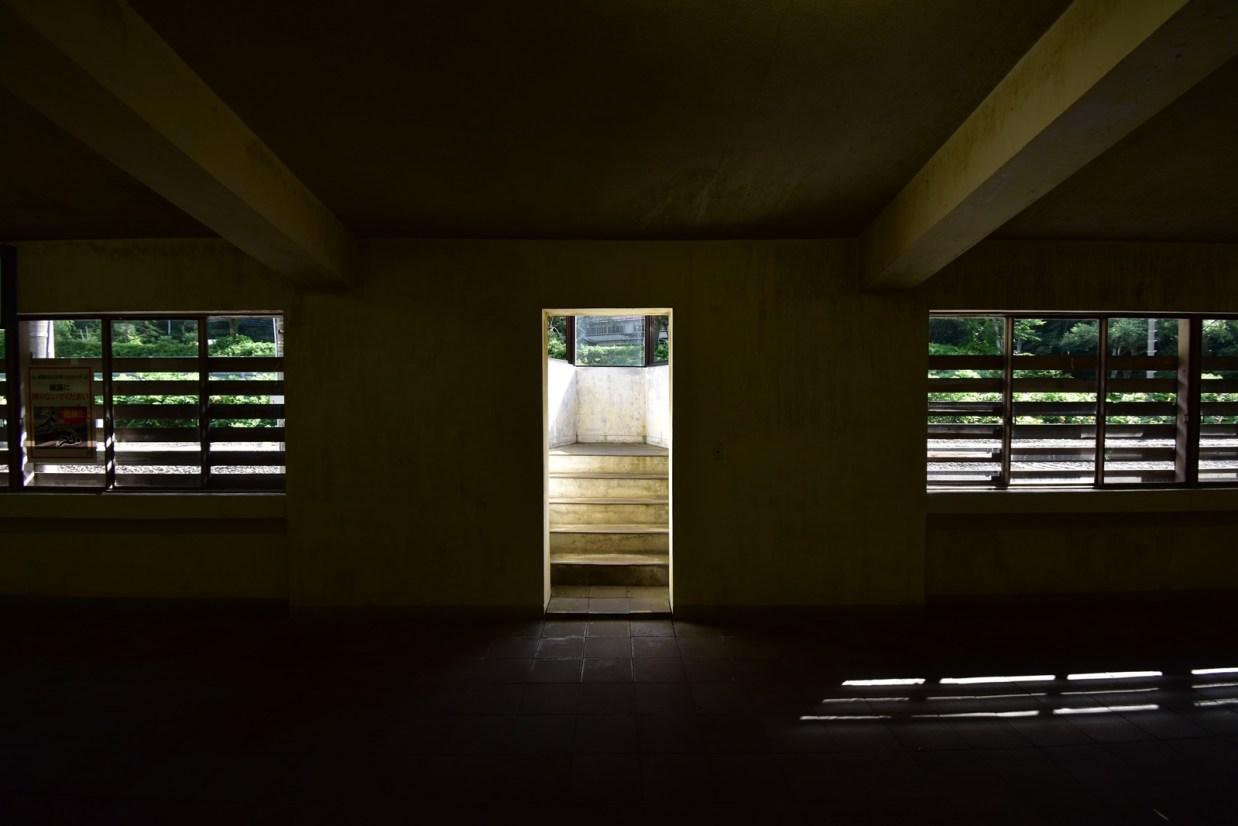 土合駅舎内での撮影