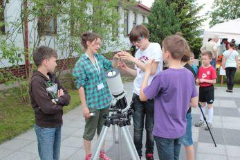 Obserwacje Słońca - Kosmos wokół nas w ZS 111 / Credit: Fundacja Edukacji Astronomicznej, Paweł Z. Grochowalski