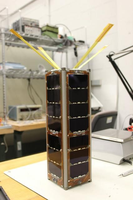 Starší MIT satelit - Radio Aurora Explorer