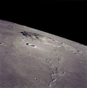 Místo budoucího přistání sondy Čchang-e 5 na snímku z Apolla 15