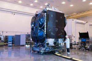 Družice Al Yah 3 postavená na platformě GEOStar-3.