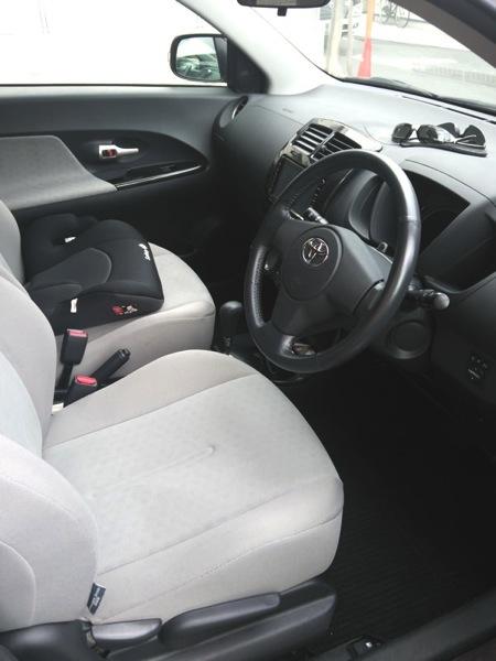 Toyota ist02