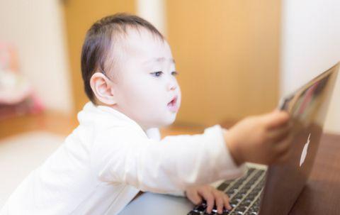 テレビが赤ちゃんに与える悪影響【言語、コミュニケーション能力の未発達】