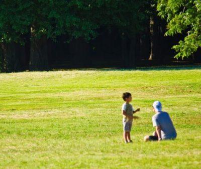 【結論】自閉症の原因は父親・母親どちらにあるの?自閉症は遺伝するの?