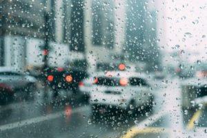 雨の日 窓の外