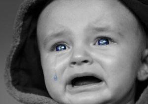 赤ちゃん 泣く 訴え
