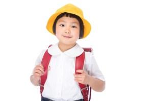 小学校 入学式 黄色の帽子
