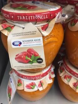 Ajvar scharf vegan aus dem Kosovo jetzt in der Schweiz erhältlich