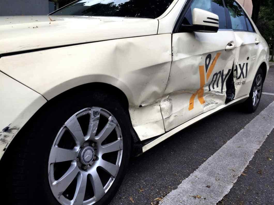 Im Straßenverkehr passieren täglich Unfälle. Jetzt Ihr Kfz-Schadengutachten erstellen lassen!